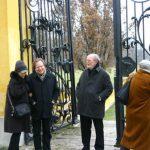 2004-12-14、Roland Batik 邸、彼の自宅前! (私も住みたい!笑)