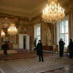 2004-12-14、Roland Batik 邸、室内です! どうやってお掃除するのぉ..?!